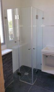 מקלחון פינתי 2 קבועים ו 2 דלתות